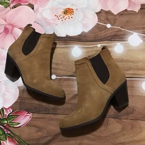 Sam Edelman Reesa tan suede booties